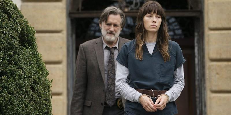 Cora Tannetii (Jessica Biel) i Harry Ambrose (Bill Pullman)